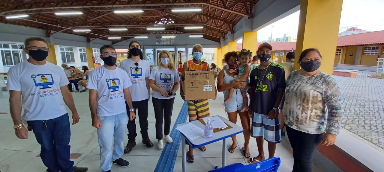 Projeto em parceria com Seduc entrega 10 computadores a professores e alunos da rede municipal de Campina Grande