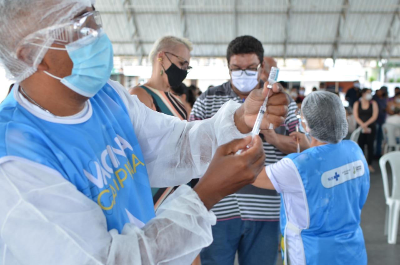 COVID-19: Campina Grande vacina pessoas a partir de 57 anos neste domingo