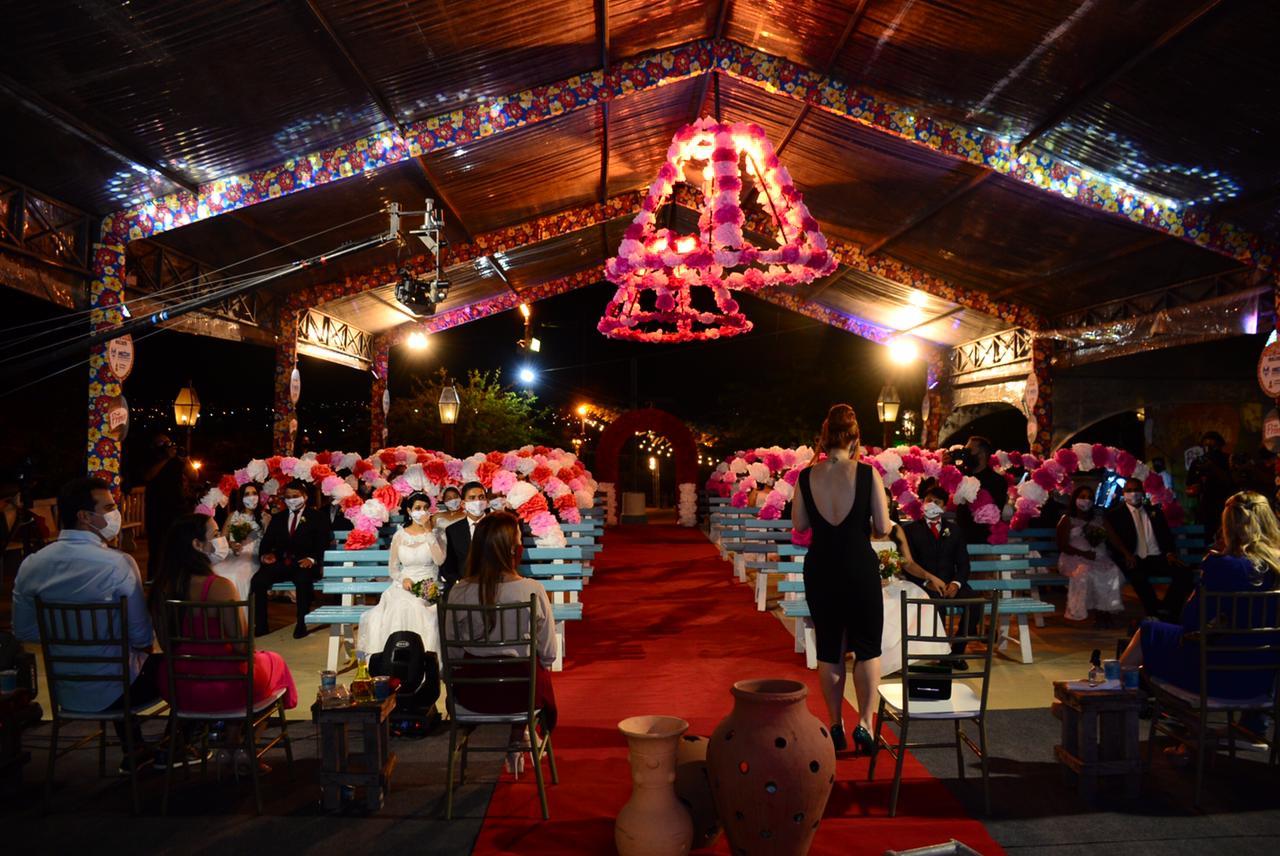 Em noite de Superação, o Casamento Coletivo 2021 realiza a união de 20 casais na Vila Sítio São João