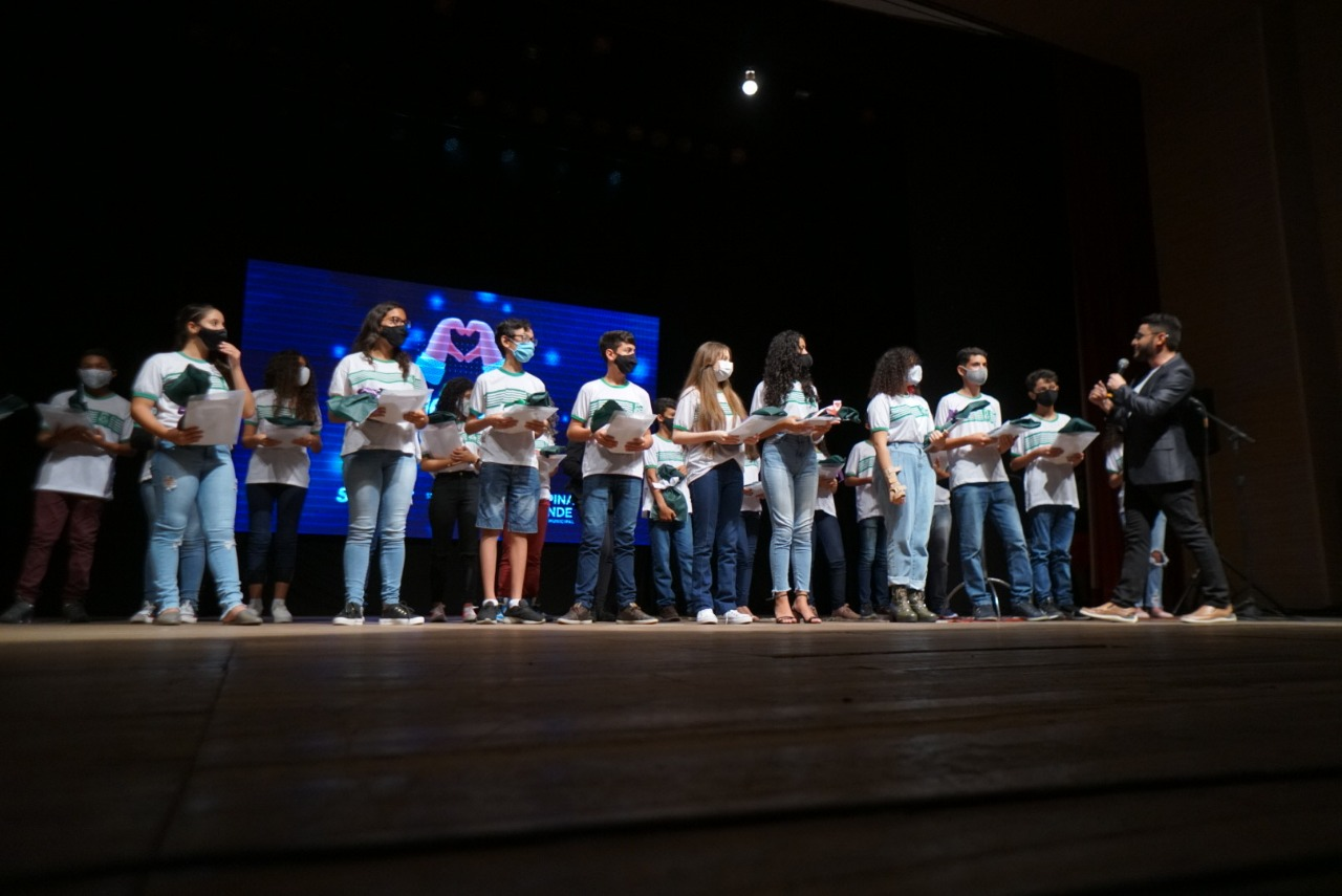 Reconhecimento: Seduc premia 25 estudantes medalhistas em Olimpíadas